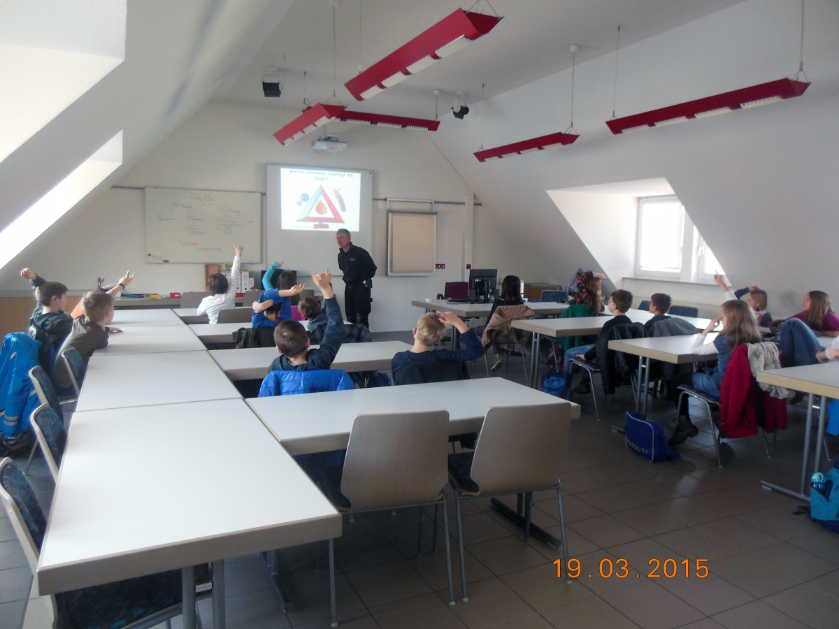 201501+03-Besuch_Grundschule (3)2000px