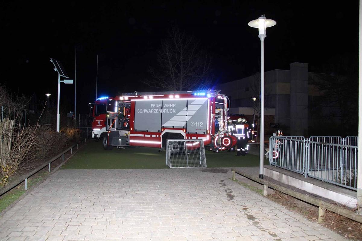2015_04_10_EB37-Kleinbrand-Schulhof_16-2000p