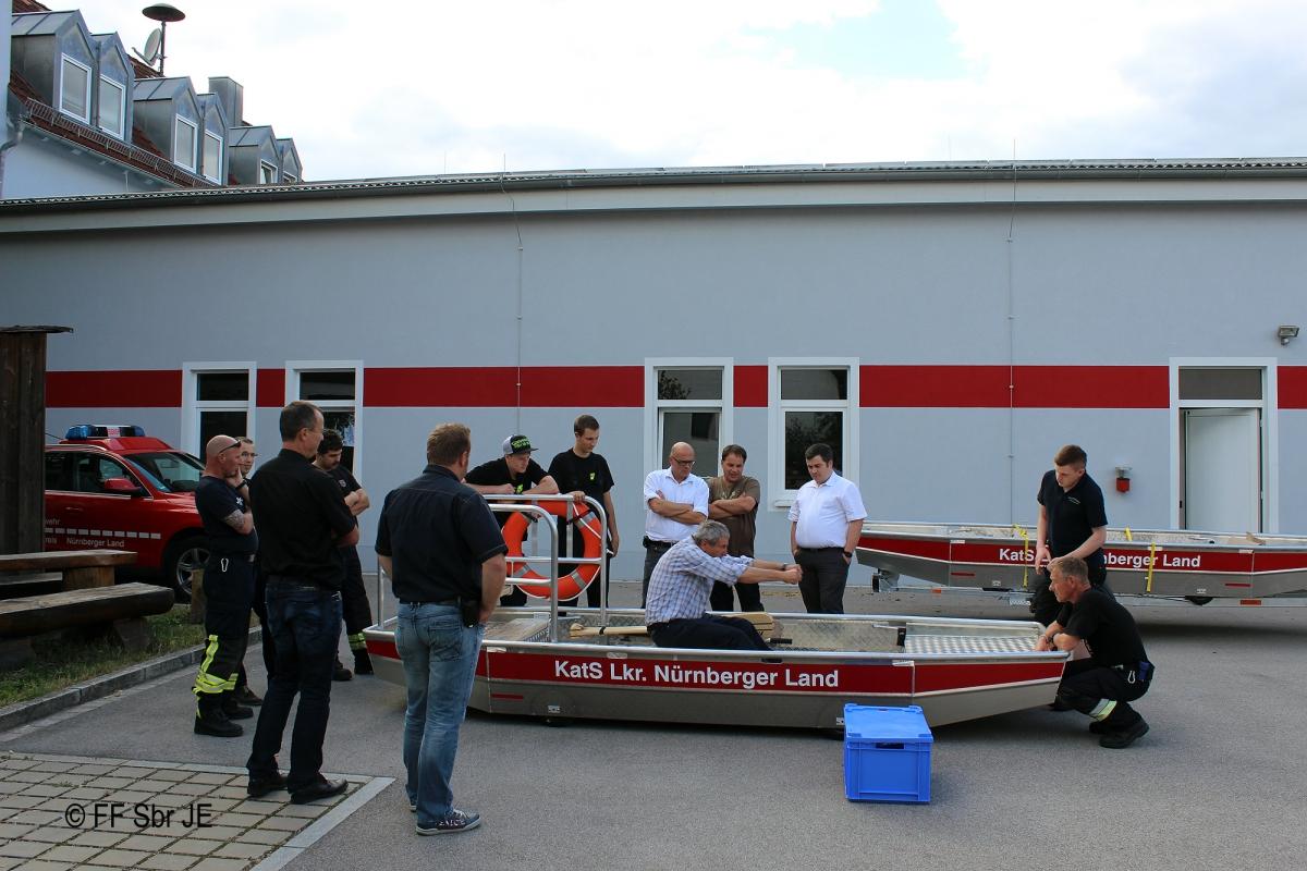 2015_07_08-Einweisung_Flachwasserschubboot-2000px (2)